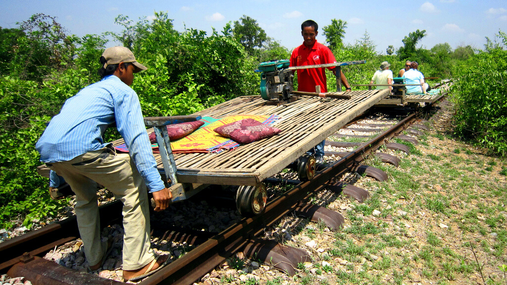 bamboo train cambodja